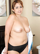 Exotic MILF Jessica Zara from 30 plus Ladies naked inside the restroom