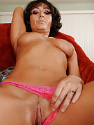 Elegant 37 year old Coral from 30 plus Ladies struts her gorgeous information as part of here