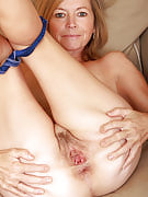 Blonde 48 year past times MILF Susie spreads her ass comfortable for your guys