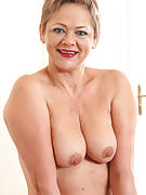 At 52 years old beautiful Linda infant from 30 plus Ladies looking
