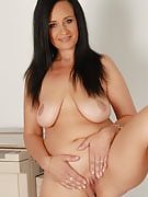 Workplace MILF Ria black color takes the nreak in order to massage her adult bangers