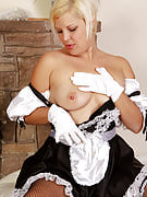 32 yr old Kelly L plays maid prior to spreading this girl long thighs wide