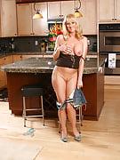 Golden-haired MILF Bethany truly much more than prepare in this kitchen area