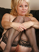 50 yr old Cindy really likes to finger her mature vagina when she can