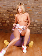 Blonde MILF Laurita will make excercising the must observe in there