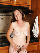 47 yr old Nicola breaks from housework in order to distribute hairy snatch
