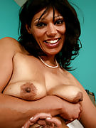 Hairy and also exotic MILF Issabella disrobes and spreads her dark thighs