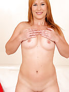 Tight and adult Laura King concerts away her 30 yr old rose pussy